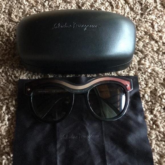 565ee3e560 Salvatore ferragamo sunglasses SF774S. M 5b6077bb04e33db89e41f9ed